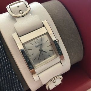 GUESS Interchangeable straps Watch Set, brand new